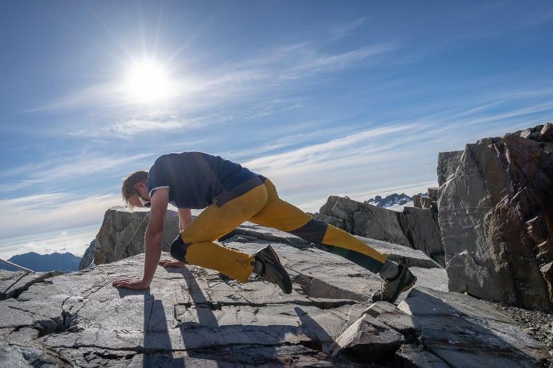 mountain-climber-exercise-core-training-left-leg